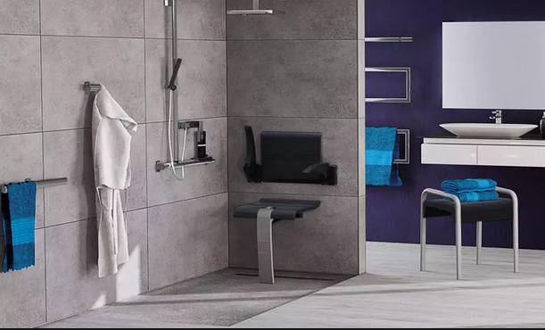 Grande salle de bains PMR