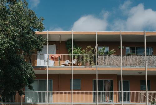 Investir dans une résidence services : quels avantages ?